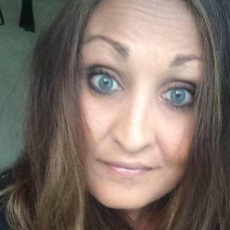 Caroline – När jag var 16 år drabbades jag av akut njursvikt.